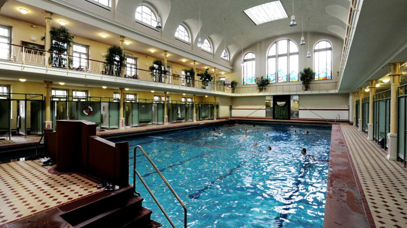 Stadtbad Neukölln e as piscinas públicas de Berlim